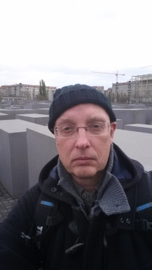 Selfie at the holocaust memorial - Berlin | witchwithaview