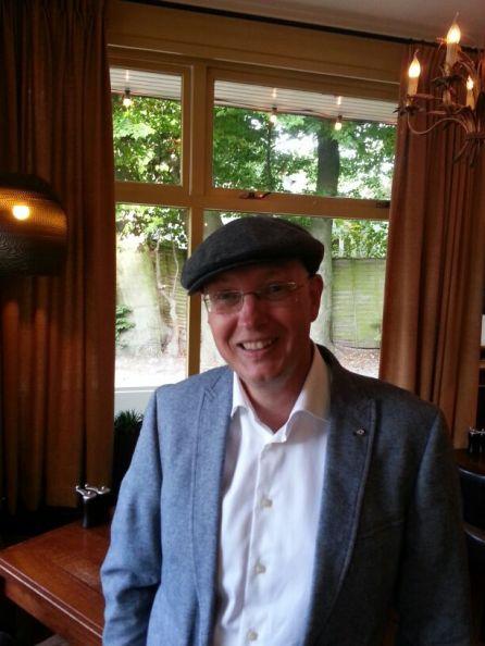 Selfie in cafe De Jonge Haan - Hilversum   Witchwithaview
