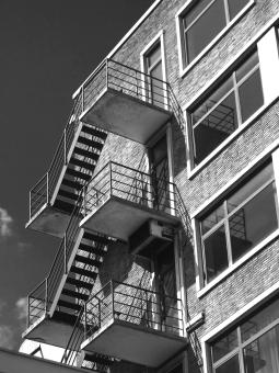 rotterdam stairways - monochrome tuesday