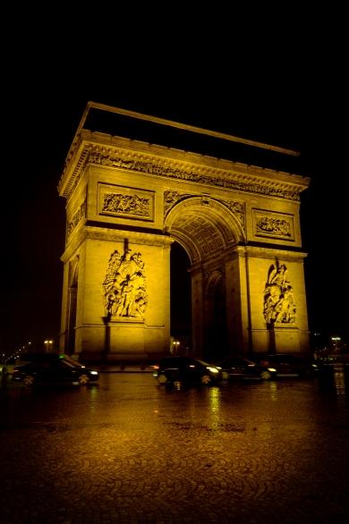 Yellow - Paris by night
