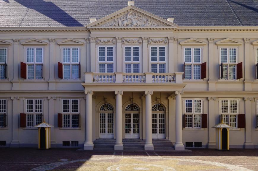 thursdaydoors historic doors paleisnoordeinde