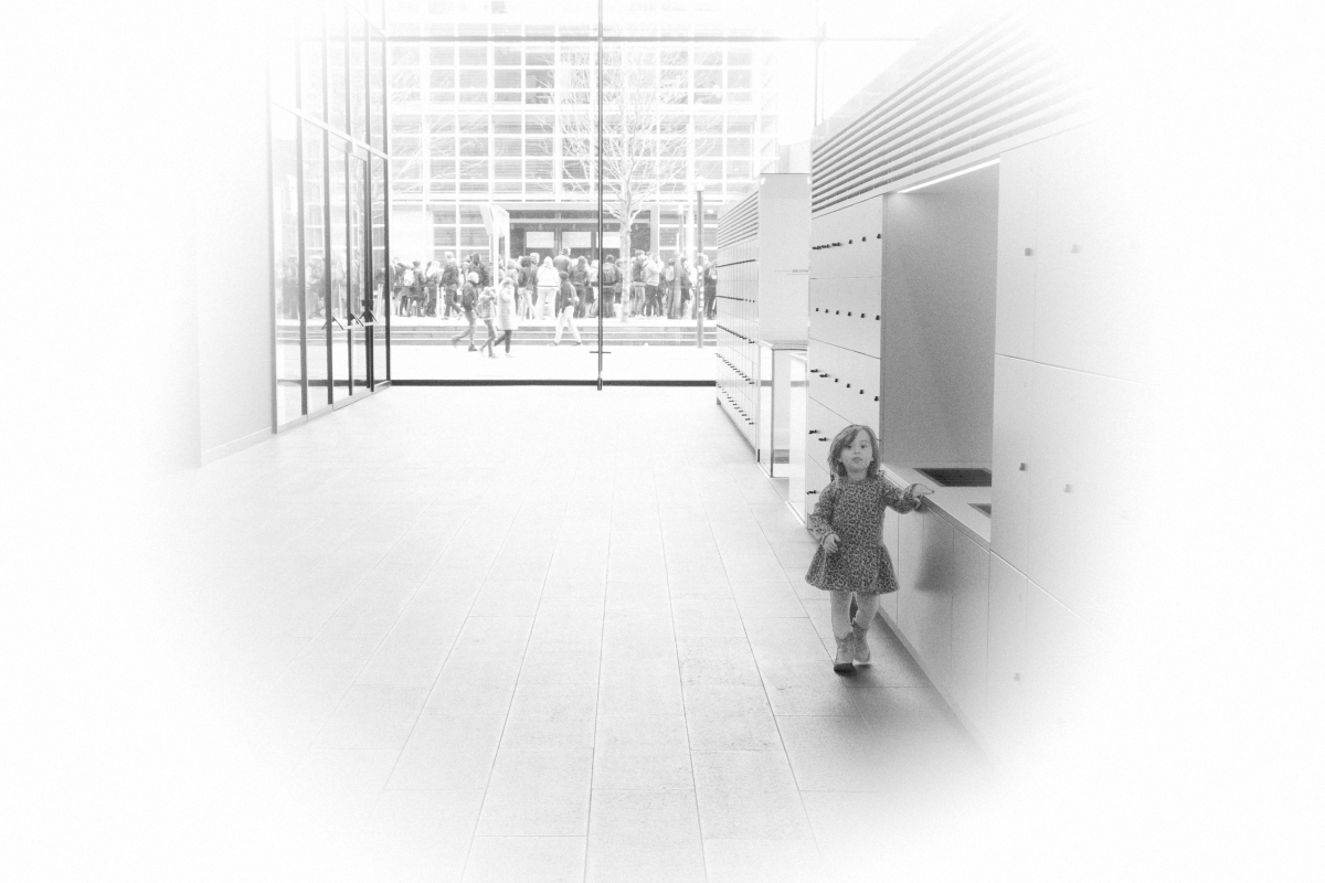 monochrome monday - child